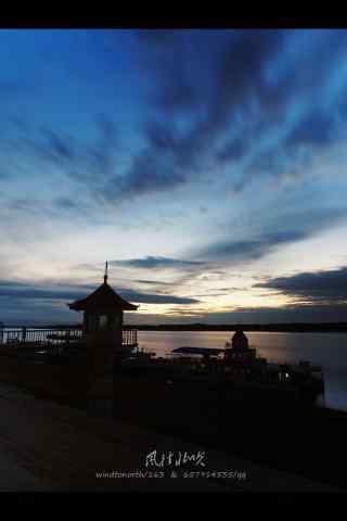 夕阳下的黑龙江河流手机壁纸