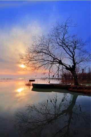 唯美的蓝色巢湖风景手机壁纸