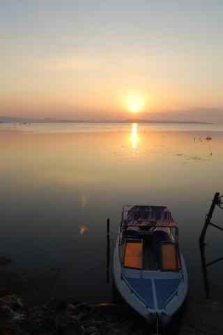 夕阳下的太湖唯美手机壁纸