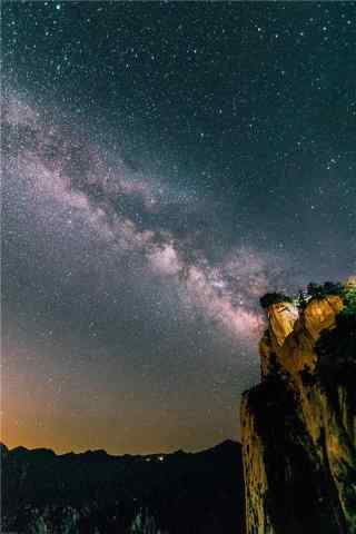 华山璀璨唯美的星空手机壁纸