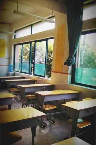 开学季之青春教室手机壁纸