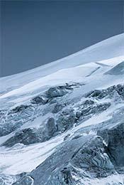 西藏高峰雪景自然