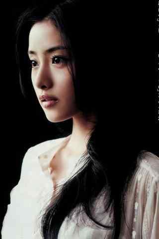 日本人气女星石原里美长发披肩性感写真手机壁纸