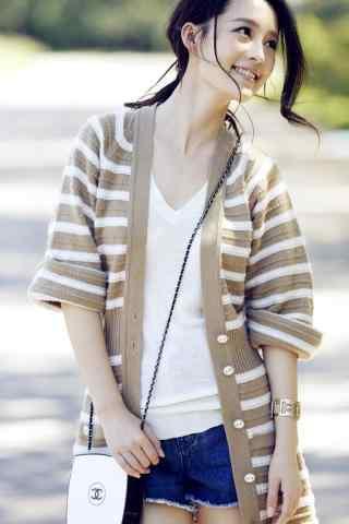 气质美女李沁清纯靓丽写真手机壁纸