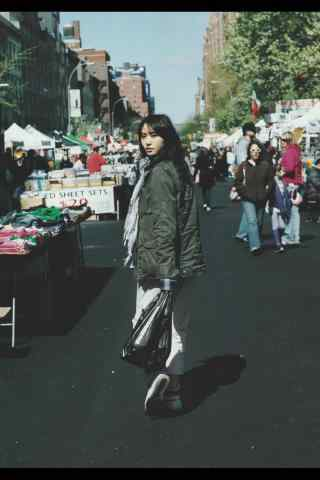 日本美女新垣结衣可爱街头写真图片手机壁纸