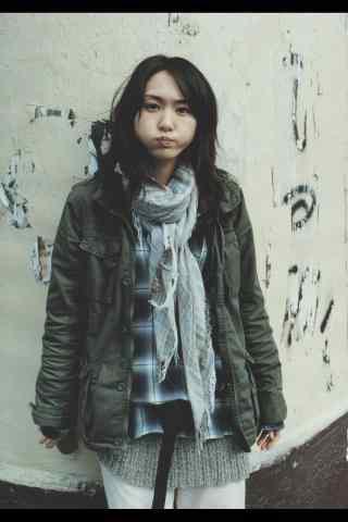 日本美女新垣结衣呆萌可爱写真手机壁纸
