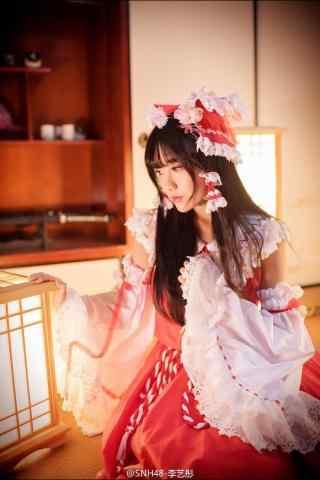 李艺彤甜美日系风格图片手机壁纸