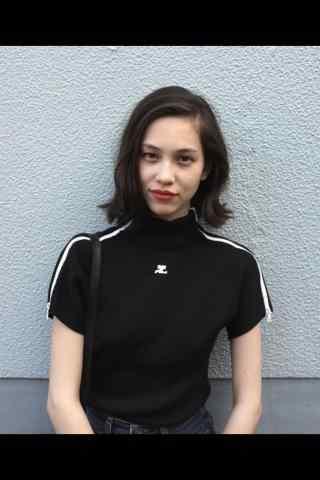 水原希子个性T恤手机壁纸