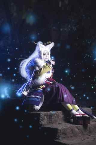 帅气小姐姐cosplay白狼手机壁纸