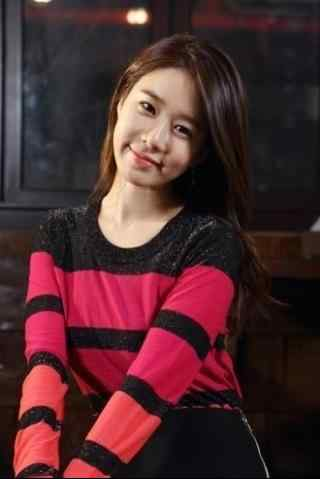刘仁娜甜美笑容手机壁纸