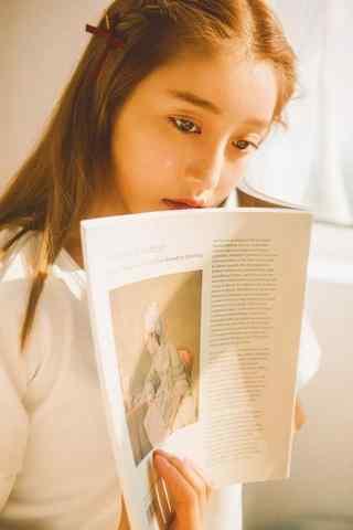 文艺美女看书手机壁纸