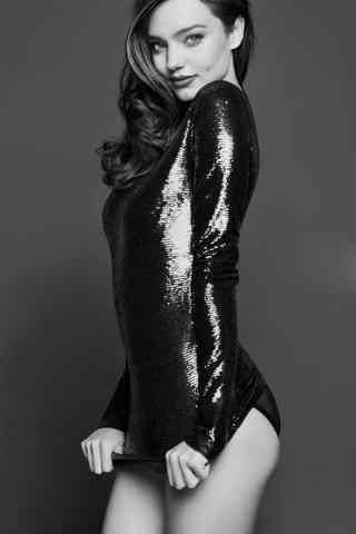 维密超模米兰达可儿亮片紧身装写真图片
