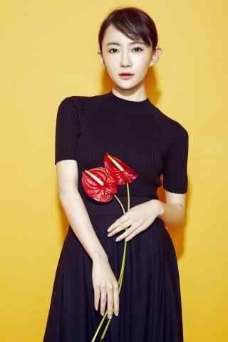 刘萌萌黑色时尚写真手机壁纸