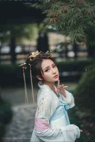 汉服齐胸儒裙—美女惊鸿一瞥手机壁纸