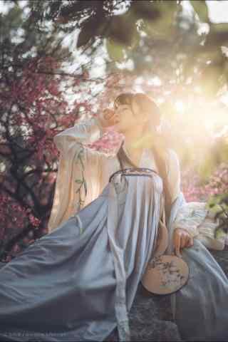 汉服齐胸儒裙—少女妖娆的身姿手机壁纸