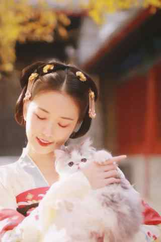汉服齐胸儒裙—美女怀中抱着猫咪手机壁纸