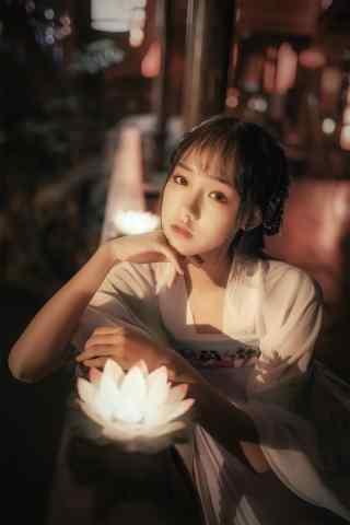 汉服齐胸儒裙—少女与莲花灯手机壁纸