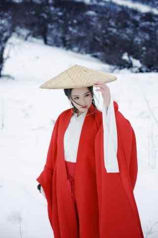 汉服褙子—冬日雪中一袭红衣美女手机壁纸