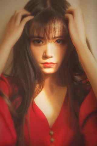 长发红衣美女写真手机壁纸