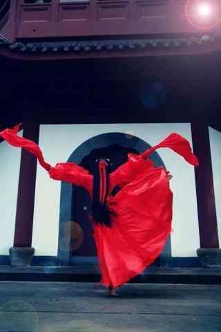 舞动的古风红衣美人手机壁纸