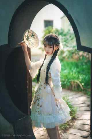 lolita洋装—复古洋装少女游园手机壁纸