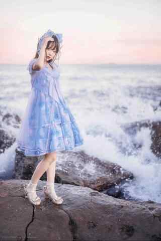 lolita洋装—海边可爱的少女手机壁纸