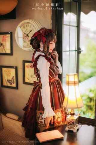 lolita洋装—少女娇羞可爱的模样手机壁纸