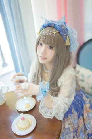 lolita洋装—少女甜美笑容手机壁纸