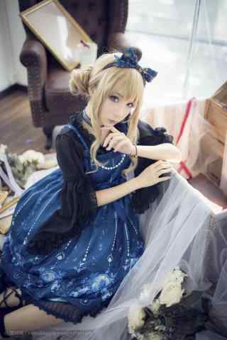 lolita洋装—白净可人的美女手机壁纸