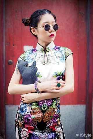 旗袍—摩登时尚美女手机壁纸