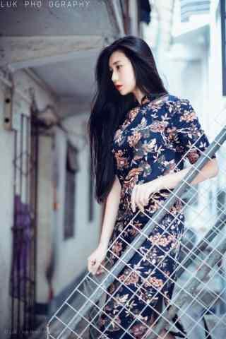旗袍—知性典雅复古美女手机壁纸