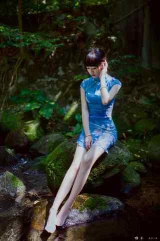 旗袍—修长大腿的美女手机壁纸