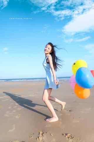 沙滩青春靓丽少女