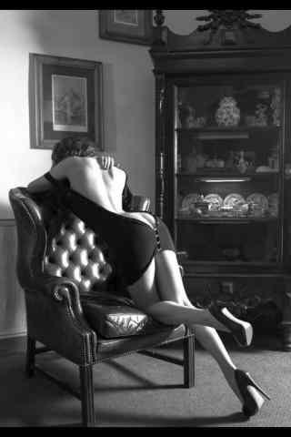 性感裸背美女黑白