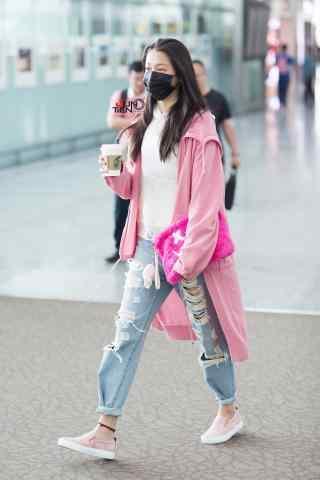 机场粉红少女关晓彤手机壁纸