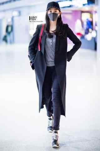 机场长腿美女关晓彤手机壁纸