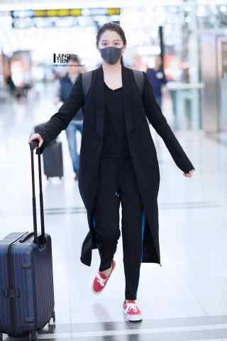 机场奔跑少女关晓彤手机壁纸