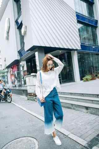 时尚阔腿裤美女街拍手机壁纸