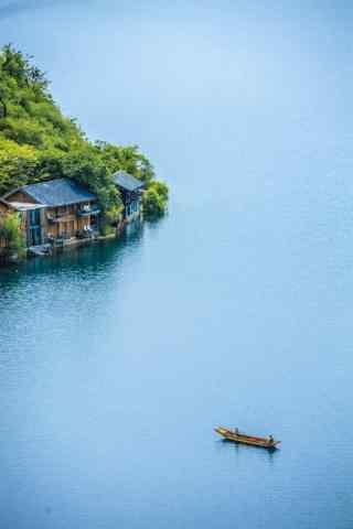 泸沽湖唯美蓝色风景手机壁纸