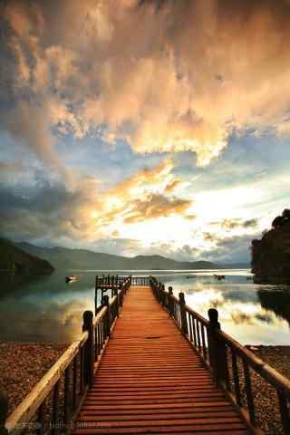 泸沽湖唯美风景手机壁纸