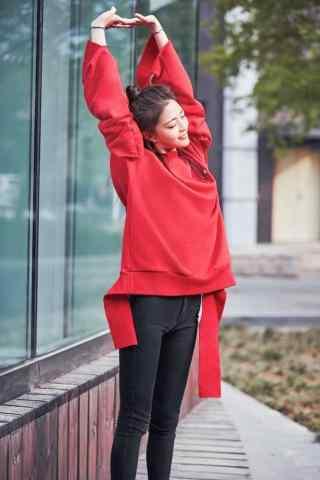 王妍之红色时尚手机壁纸