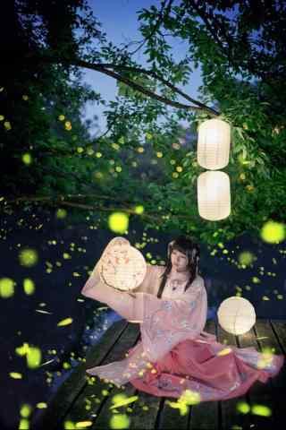 唯美的萤火虫与美女手机壁纸
