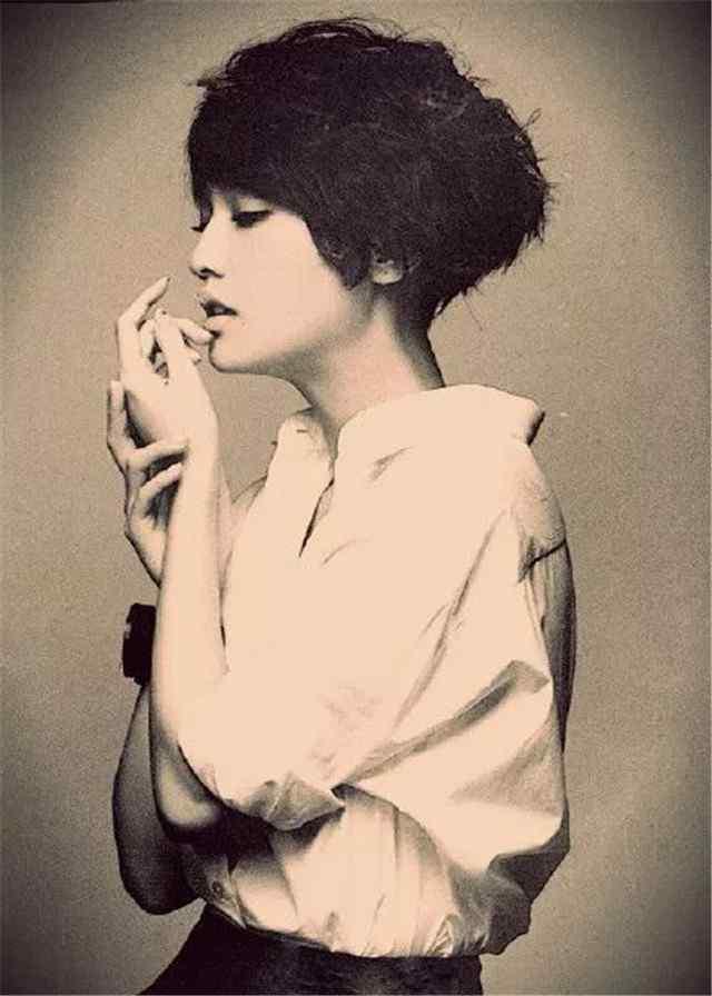 杨丞琳唯美写真手机壁纸