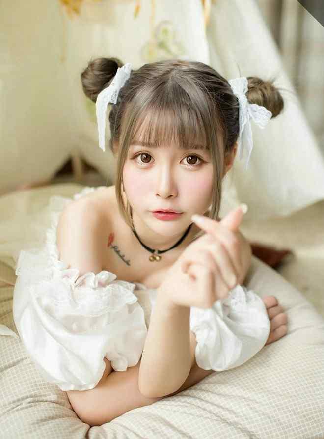 清純(chun)校花雙丸(wan)子頭(tou)可愛蘿莉(li)清純(chun)蕾(lei)絲(si)居家唯美俏皮(pi)寫真(zhen)圖片