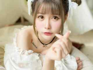 清純校花(hua)雙丸子頭可愛蘿莉(li)清純蕾絲居(ji)家(jia)唯(wei)美俏皮寫(xie)真圖片