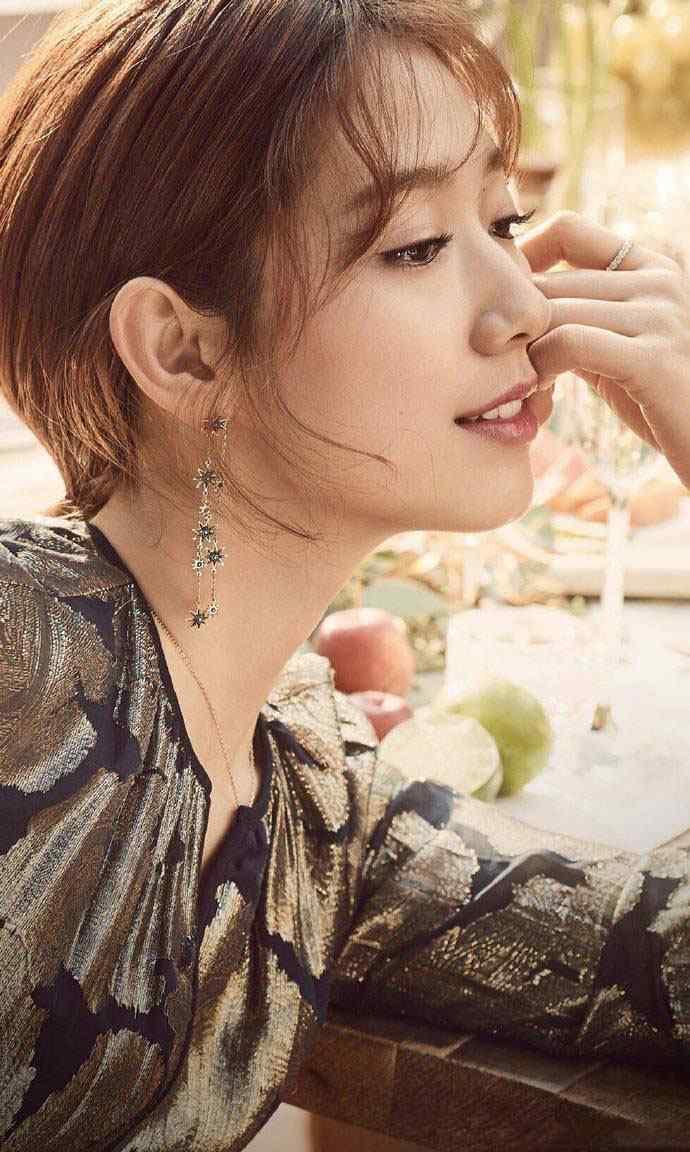 朴信惠时尚珠宝迷人写真图片