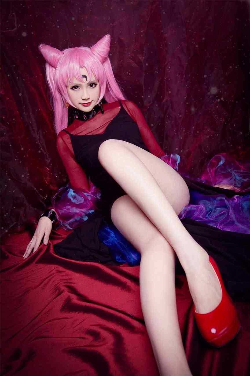长腿性感美女cosplay黑暗小姐妩媚大胆写真图片