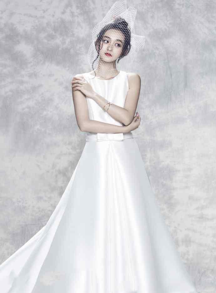 何泓姗唯美婚纱写真图片