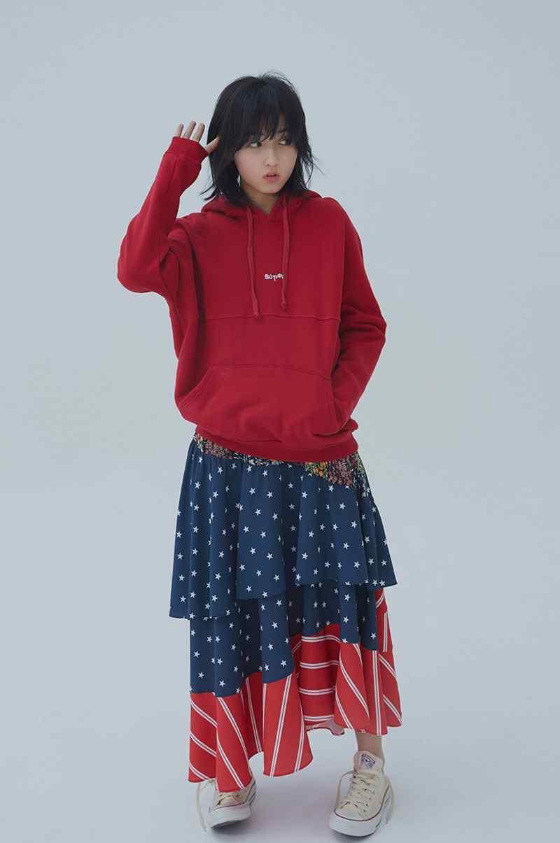 张子枫最新时尚杂志写真高清图片
