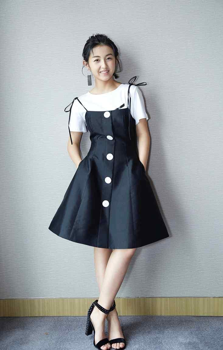 张子枫时尚造型迷人图片